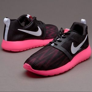 Nike Shoes - Nike Roshe Run Flight Weight Sneaker c9d8e61fad21
